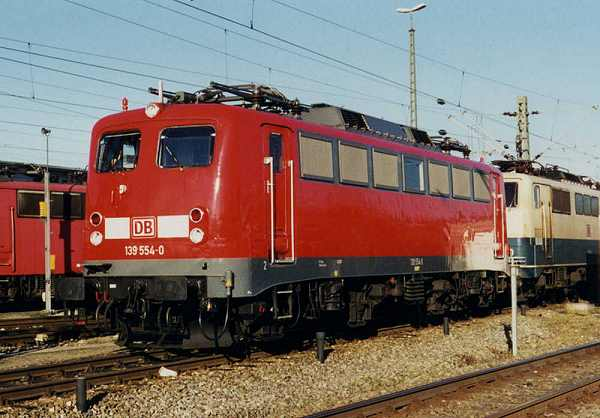 http://www.eisenbahn-im-bild.de/Bilder/Voll/139_3/14819_139-554.JPG