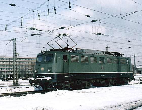 http://www.eisenbahn-im-bild.de/Bilder/Voll/140_1/16199_140-015.jpg