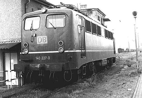 http://www.eisenbahn-im-bild.de/Bilder/Voll/140_1/6484_140-227.jpg