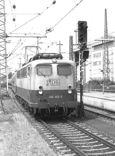 http://www.eisenbahn-im-bild.de/Bilder/Voll/140_3/15000_140-462.jpg