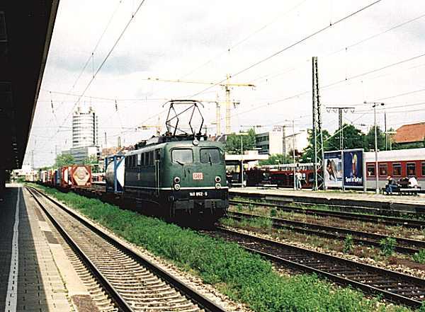 http://www.eisenbahn-im-bild.de/Bilder/Voll/140_4/14977_140-852.jpg