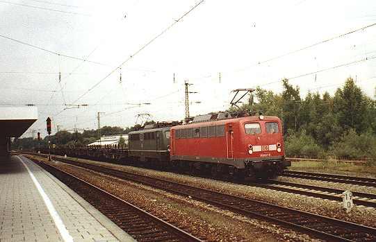 http://www.eisenbahn-im-bild.de/Bilder/Voll/140_4/8651_140-821-825.jpg
