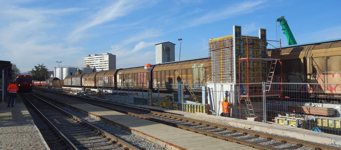 http://www.eisenbahn-im-bild.de/Temp/A_Braunau_DSC08099.jpg