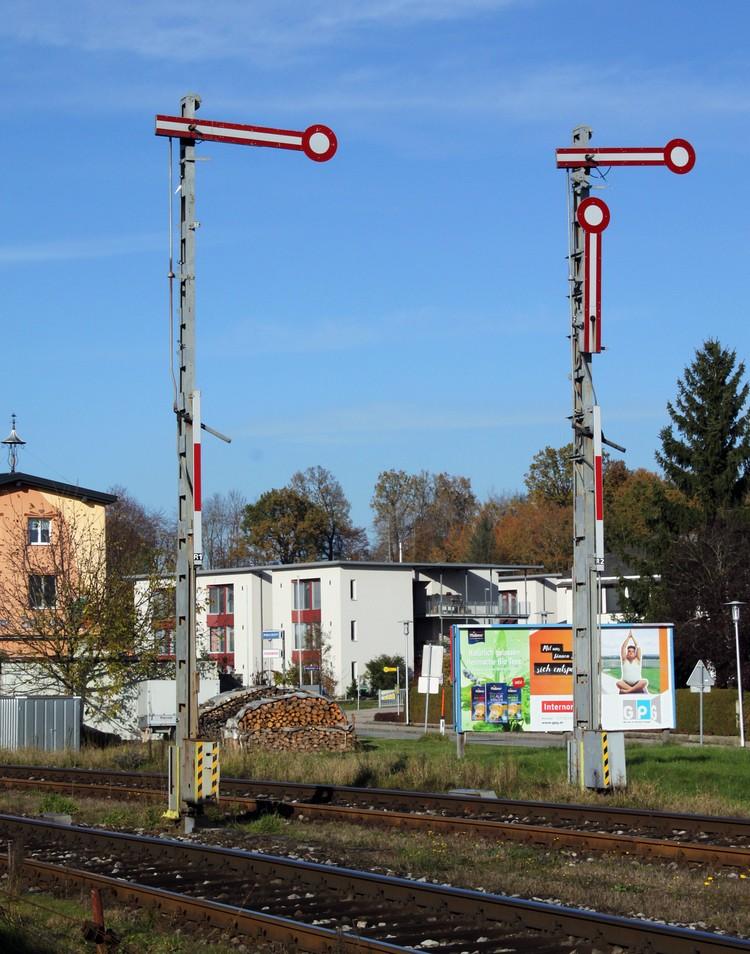 http://www.eisenbahn-im-bild.de/Temp/A_Mauerkirchen_IMG_7012.jpg