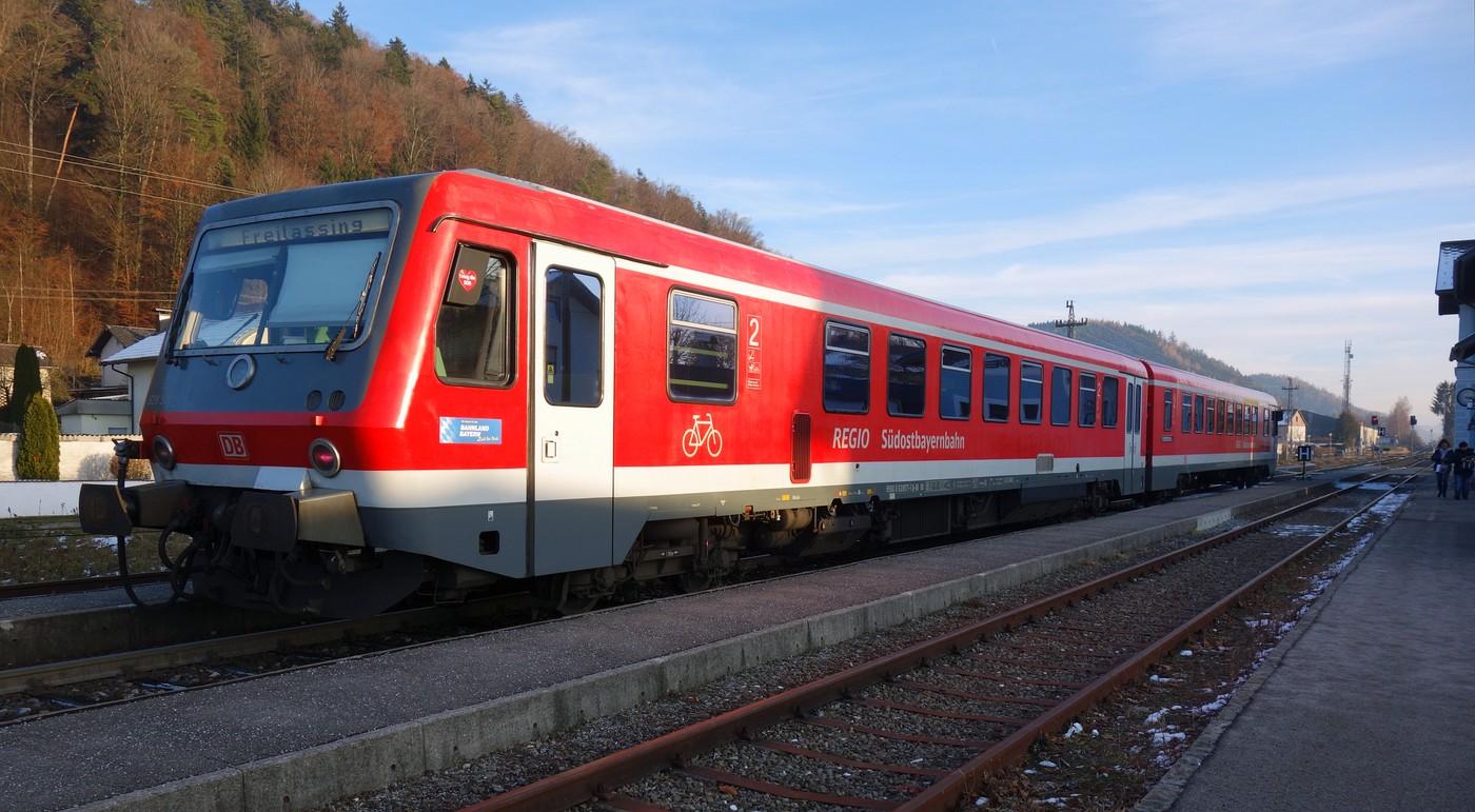 http://www.eisenbahn-im-bild.de/Temp/A_Munderfing_DSC08784.jpg