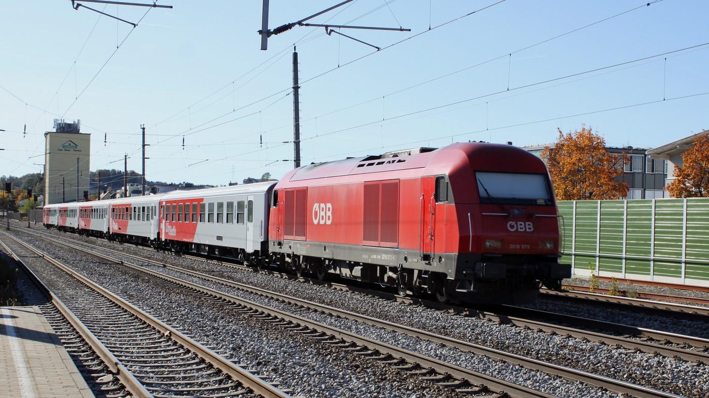 http://www.eisenbahn-im-bild.de/Temp/A_Seekirchen_IMG_6724.jpg