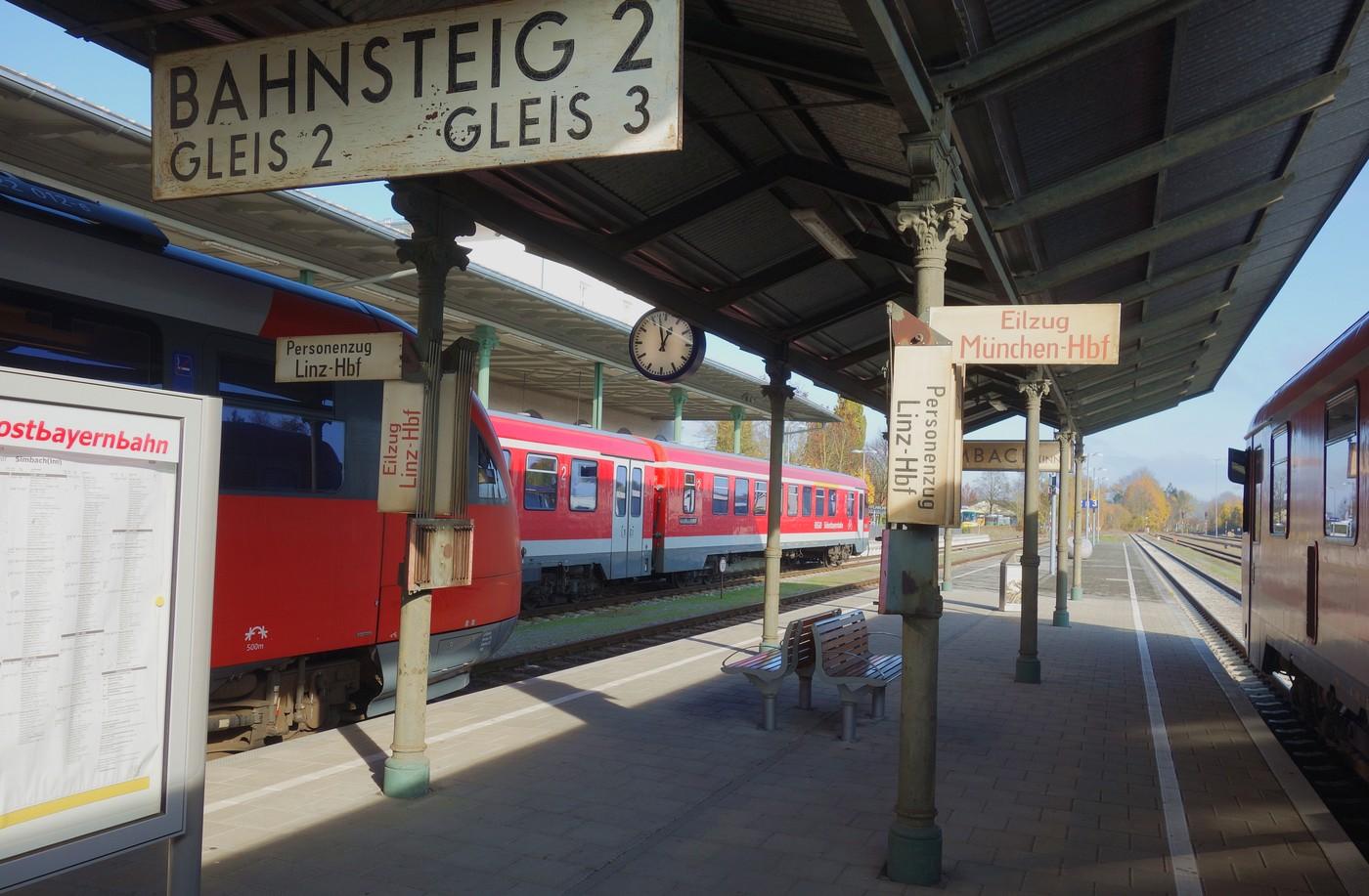 http://www.eisenbahn-im-bild.de/Temp/D_Simbach_DSC08077.jpg