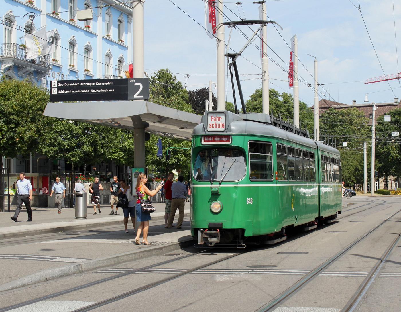 http://www.eisenbahn-im-bild.de/Temp/tram/CH_BS_Alfons_EOS_500D_271.jpg